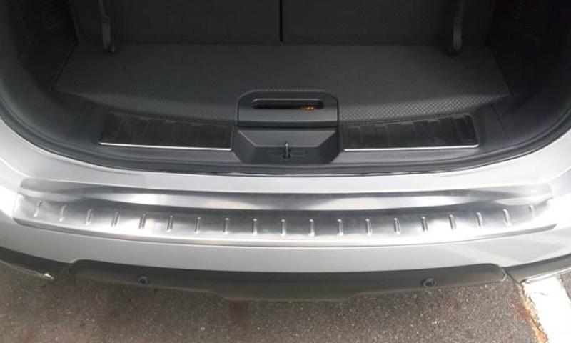 !日産 エクストレイル X-TRAIL T32 ステンレス ラゲッジキッキングプレート / リアステップボード (外側)