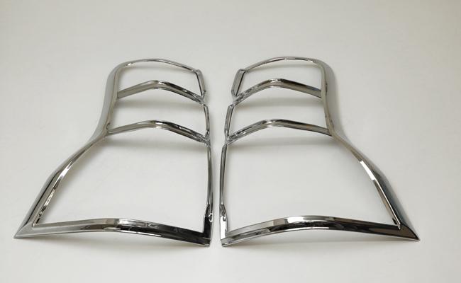 !トヨタ ランドクルーザープラド150系 クロームメッキテールライトリング